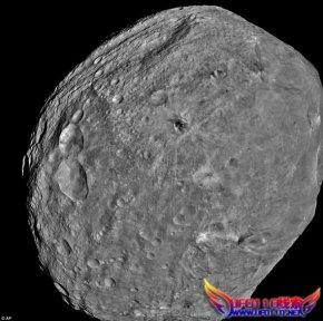 灶神星陨石坑特写照片