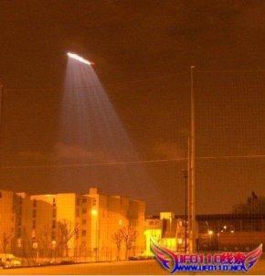美军是坠机,还是UFO???