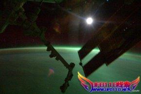日太空人拍摄极光奇景