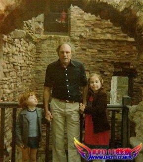 英国恐怖城堡32年前灵异照片再现幽灵