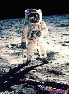 """恐惧""""使美苏30年没有再登月"""