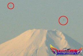 日本富士山ufo舰队照片曝光
