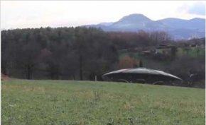 德国现清晰UFO视频短片,外星人故意显现