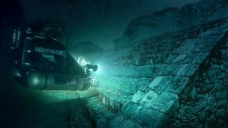 在一次铺设大西洋海底电缆的时候