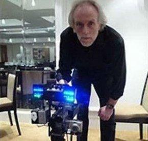 英国男子称发明灵异摄影机