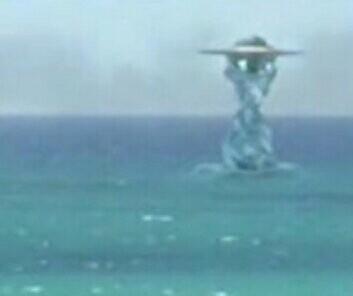 水中的碟状UFO