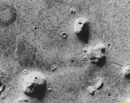 火星上的金字塔之谜探索