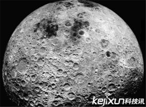 地球附近二个月亮,其中一个爆炸