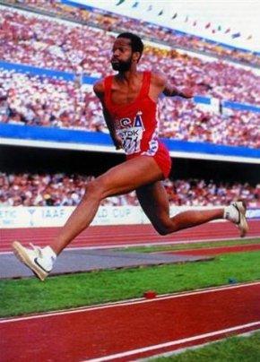 打破23年的男子跳远世界纪录保持着—迈克·鲍威尔