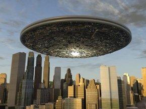 降落在洛杉矶的怪物UFO