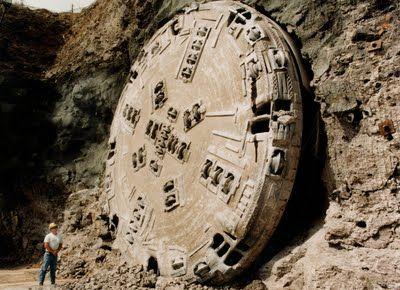 震惊 南极意外的发现了外星人的基地