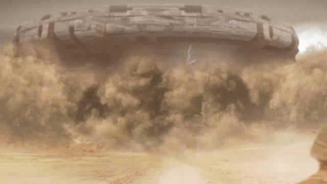美军在伊拉克拍摄不明飞行物