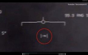 美F-18在2004年追逐白色椭圆物ufo