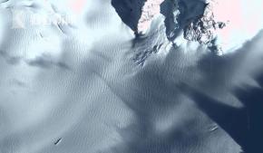 南极附近发现不明物体
