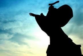 汉武帝的酎金夺爵事件的背景与影响