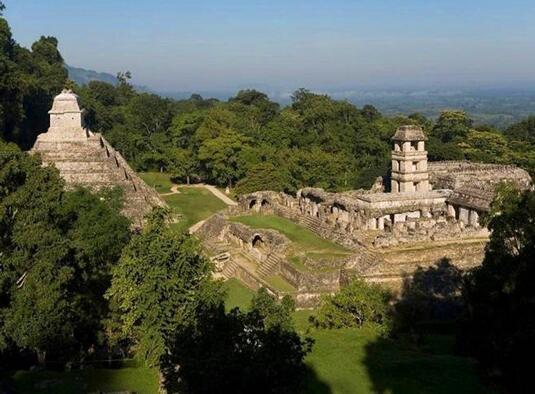 帕伦克(Palenque)遗址石板上飞船之谜